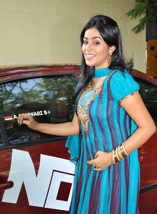 poorna in blue salwar hot photoshoot