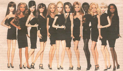 http://2.bp.blogspot.com/_OEG9Sc8BlDQ/TBPo4VpbYeI/AAAAAAAAAnA/V1T6prVZJNM/s1600/fila+de+Barbies.jpg