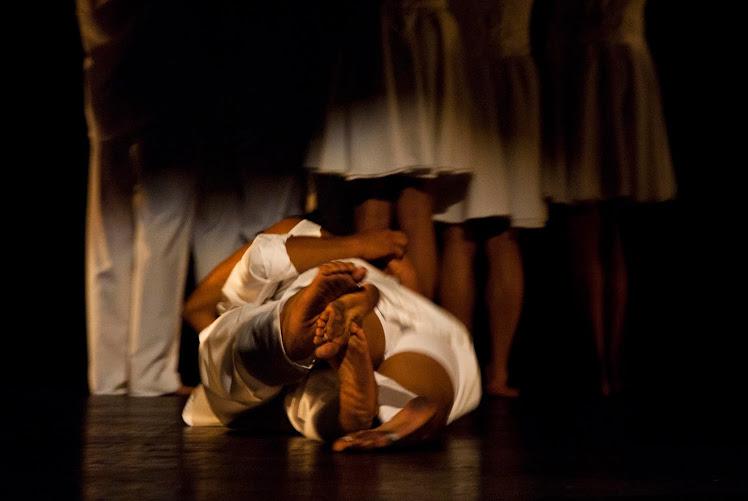 Blanco Bestiario Mirada en Silencio/ Presentación Final Invernadero Danza 2010