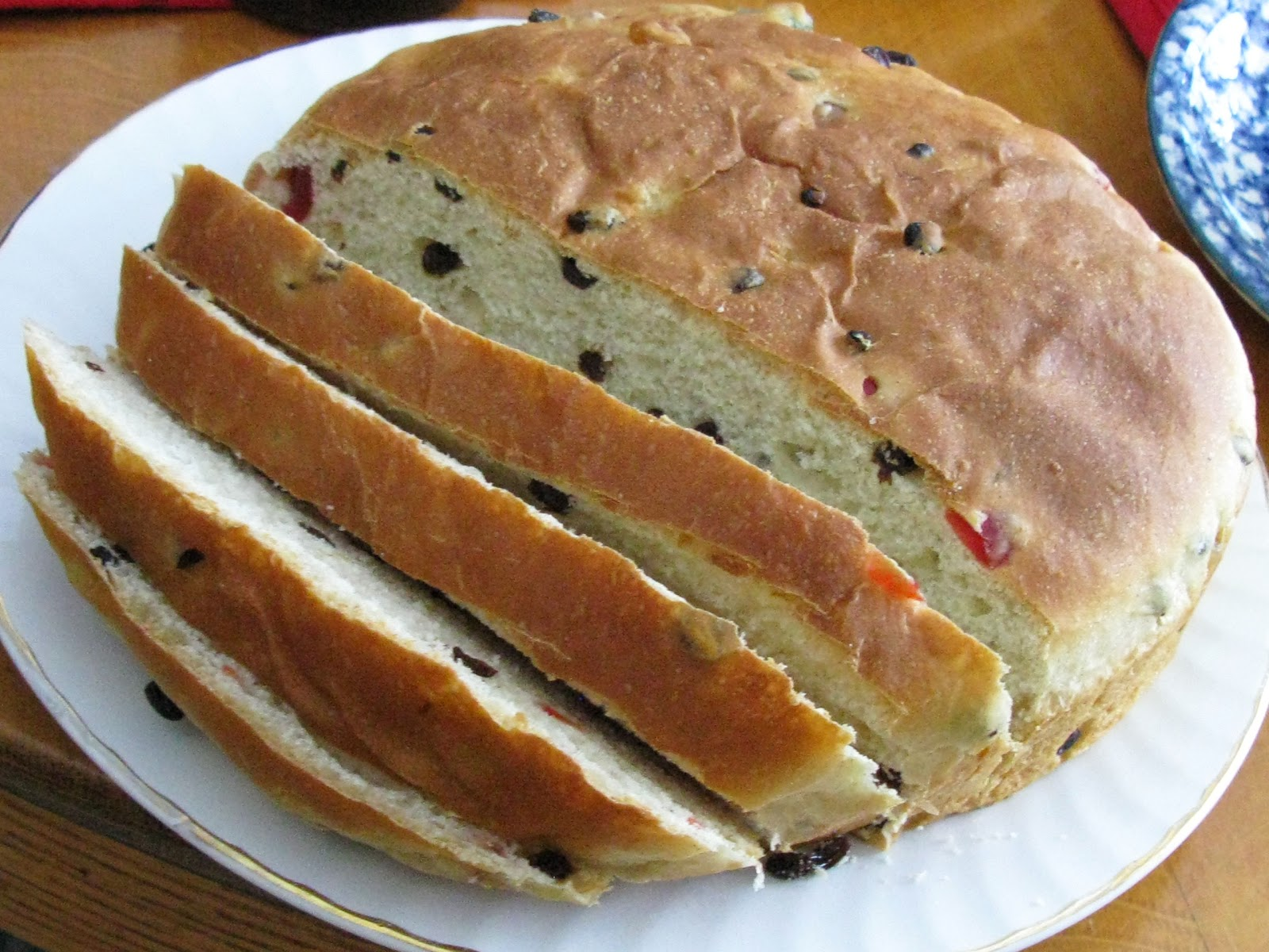 Food for A Hungry Soul: Julekake ~ Norwegian Christmas Bread