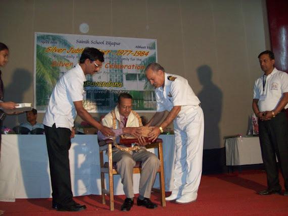 10.Shri GC Bhuyar