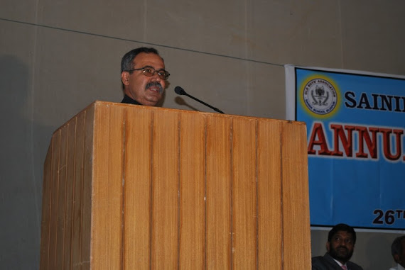 23.Lt Col BG Vishwanathkumar(rtd) Roll No 49 addressing
