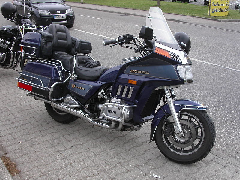 Honda Gold Wing GL 1200   motorcycle