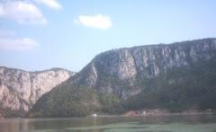 Vedere din golf spre Cazanele Mari