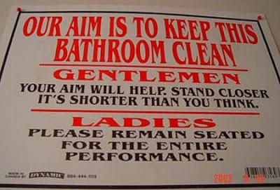 Foto Lucu: tulisan di pintu toilet
