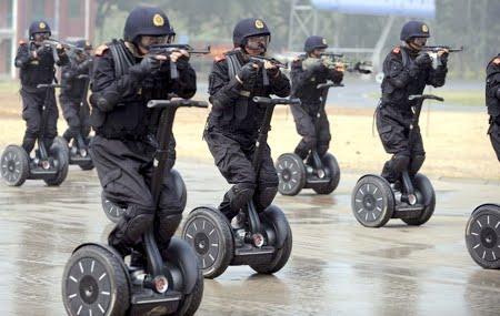 Alat Transportasi Personal, Teknologi Kepolisian