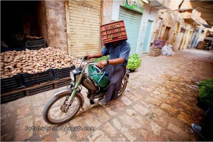 Helm Yang Tidak Berlabel SNI