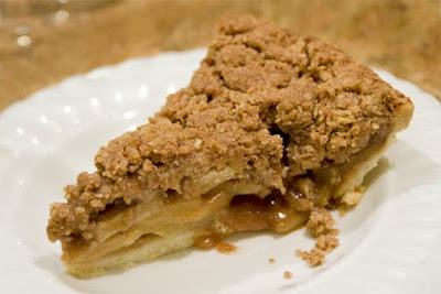 Un petit oiseau gluten free spiced apple crumble pie for Un petit oiseau