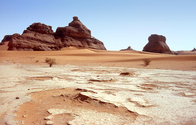 Strangest and most beautiful images in Algeria Desert2