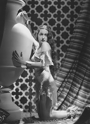 Dorothy Lamour looking all historical and authentic.