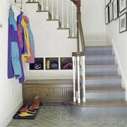 Soluciones creativas 3 formas de aprovechar el espacio for El de debajo de la escalera vino