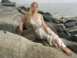 Emilie de Ravin Beautiful Hollywood Actress 2012 http://hollywoodactress2012.blogspot.com