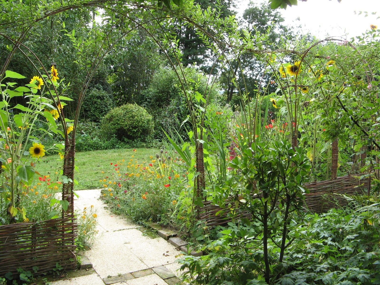 Le Jardin De Brigitte Alsace Jardin Du Soir