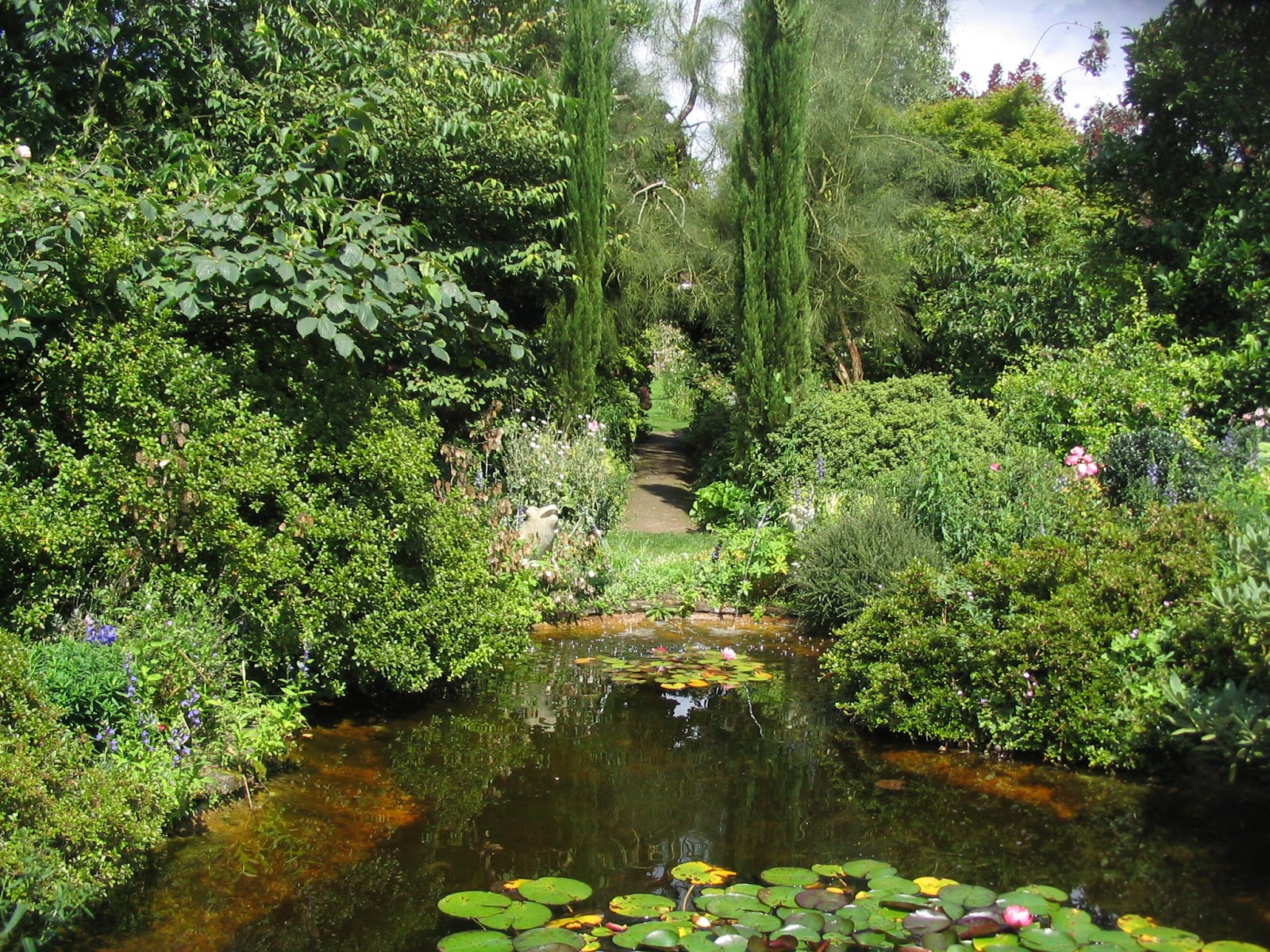 Le jardin de brigitte alsace jardin de la petite rochelle - Petit jardin zen interieur la rochelle ...