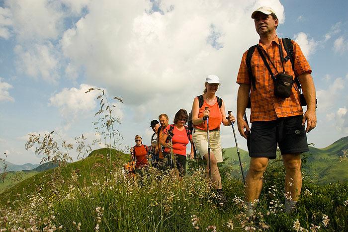 http://2.bp.blogspot.com/_OTLWHUxsXVQ/TBIrDrPPGhI/AAAAAAAADE4/Hhzp1uGy3-M/s1600/Himachal+Trekking+Tour+2.jpg