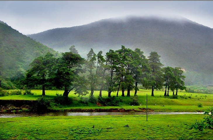... breathtaking vistas. Some of the famous hill stations of Kerala are