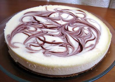 white+chocolate+pomegranate+cheesecake.J