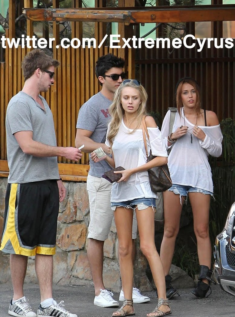 miley cyrus dating usc Miley cyrus and patrick schwarzenegger make out at usc game by zach seemayer 11:14 am pst, november 14,  video: miley cyrus is dating patrick schwarzenegger,.