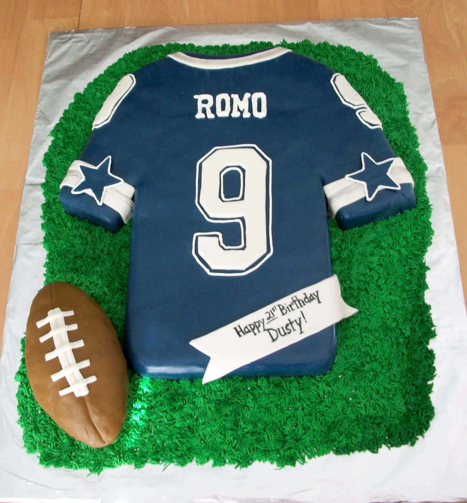 Cake Decorating Store Nj : Bellissimo! Specialty Cakes: Cowboys Jersey Cake - 9/10