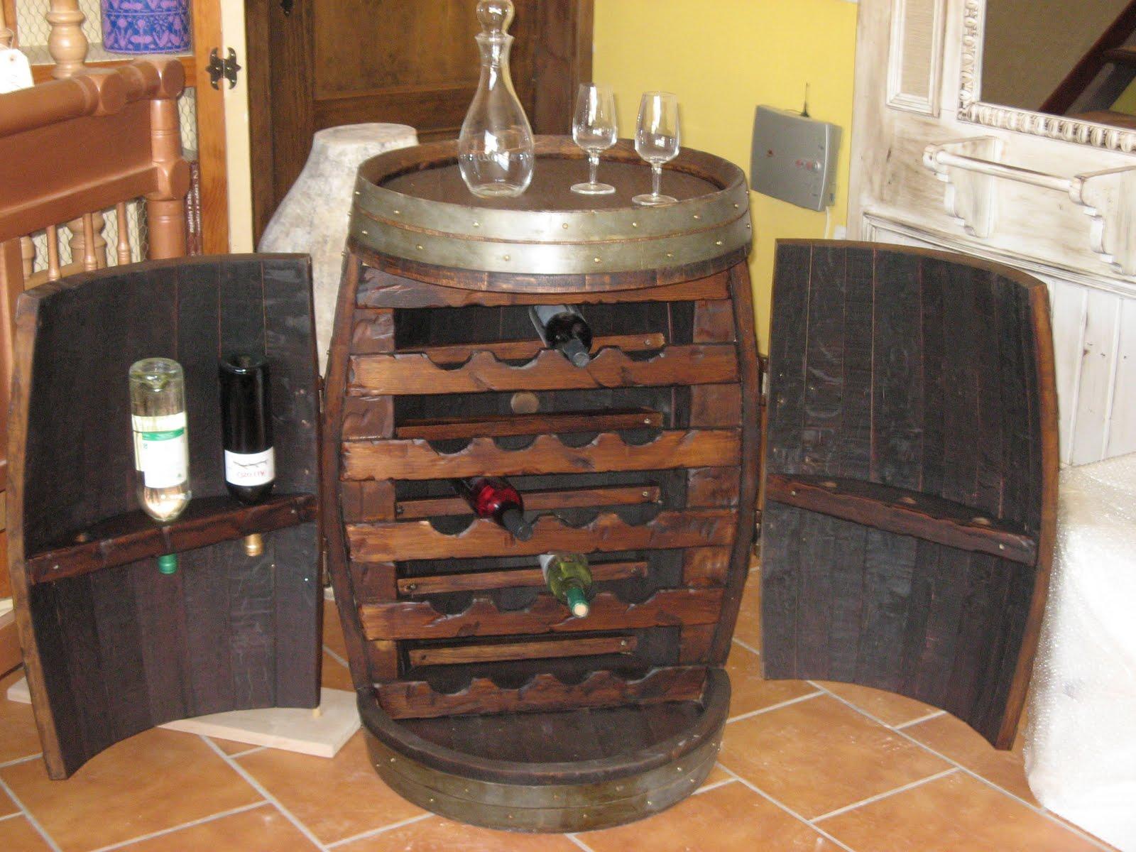Artesanos carpinteros botelleros for Fotos muebles reciclados