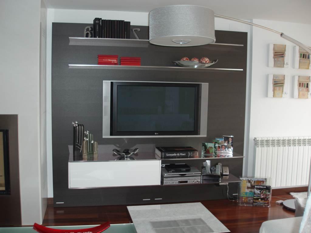 Mueble lacado para sal n de estilo moderno muebles for Mueble moderno salon