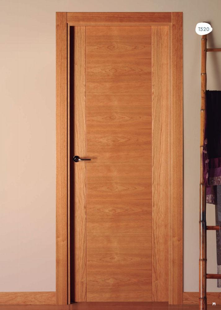 Distribuidores de puertas visel artideco puertas de for Precio puerta madera interior
