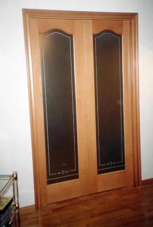 Puertas correderas en madera de haya muebles cansado for Correderas para puertas de madera