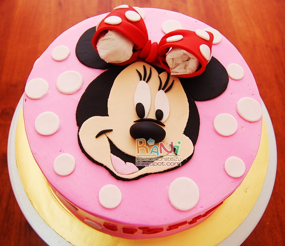 birthday cakes of cartoon characters