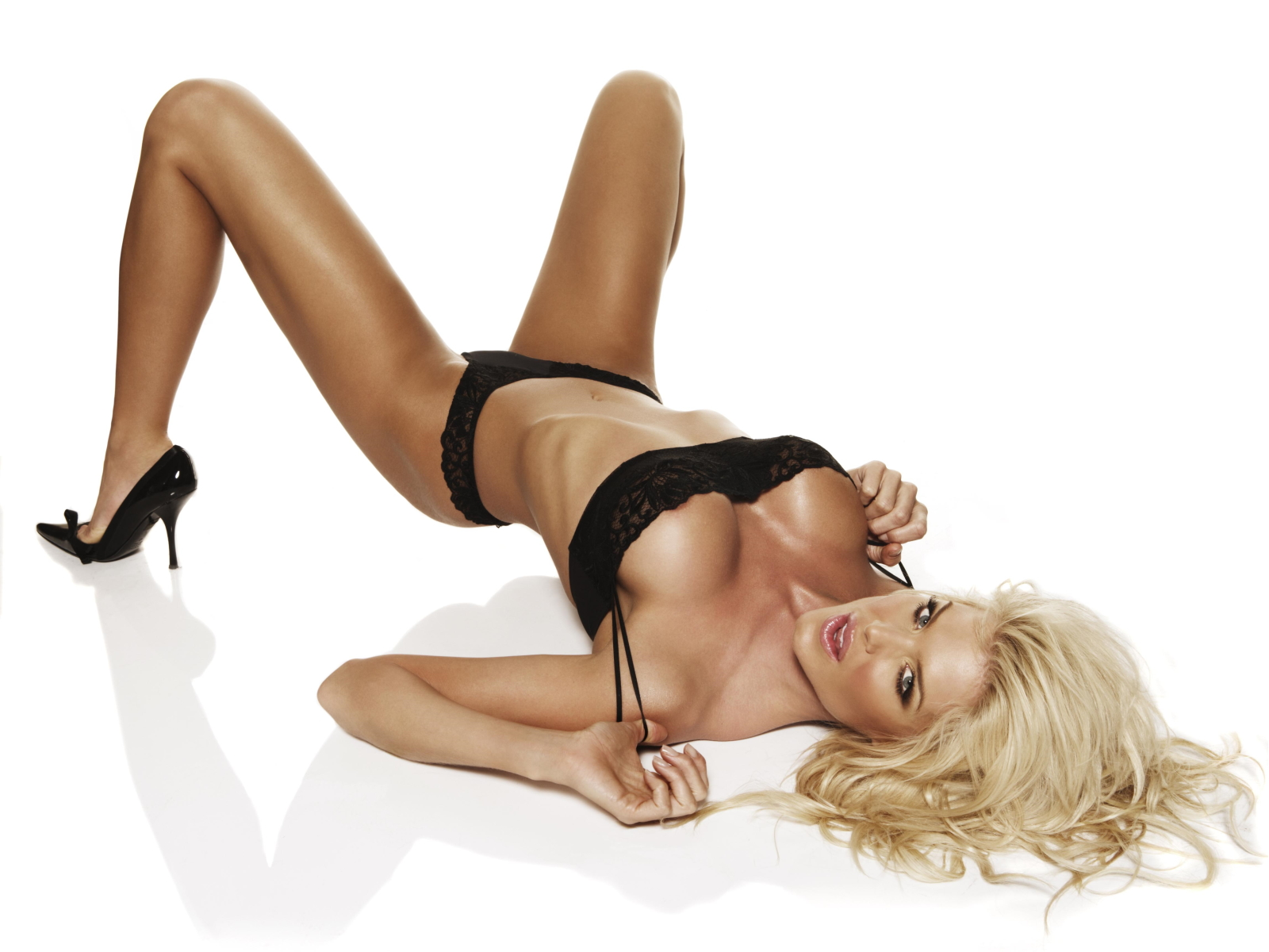 victoria silvstedt nude gallery: