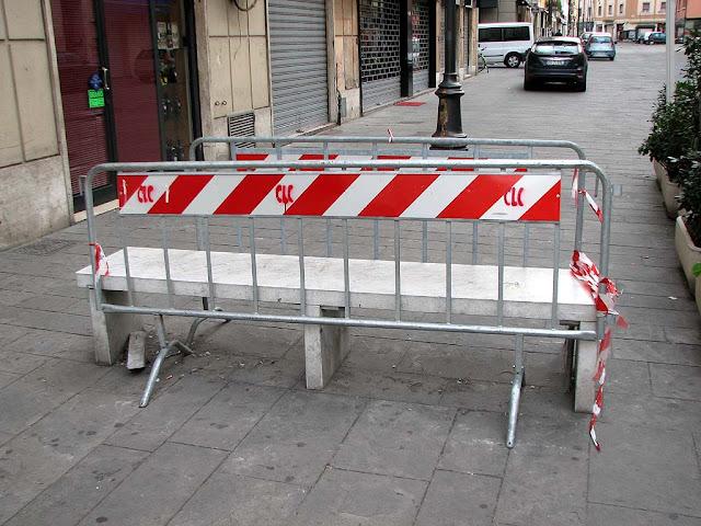 Off-limits bench, via della Madonna, Livorno