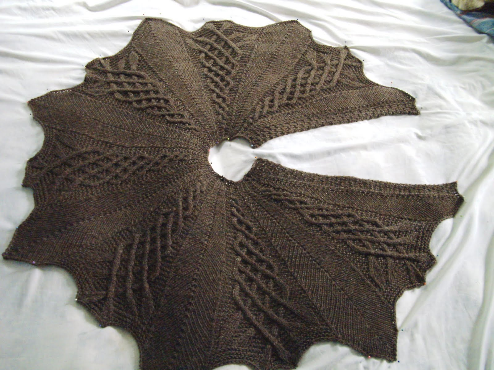 Knitting Patterns For Capelets Free : Prayer Shawl Ministries: Kathy Kelly Cabled Capelet
