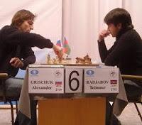 Alexander Grischuk y Teimour Radjabov en el Grand Prix de Ajedrez en Elista 2008