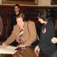 Cómo crear una empresa, la firma en el notario