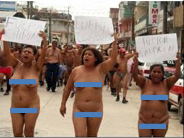de los 400 Pueblos se manifestaron en Álamo, completamente desnudos