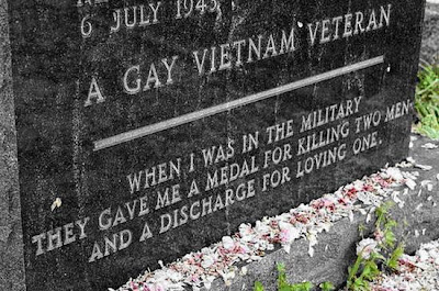 Cabrão de paneleiro, gay veteran of the vietnam war