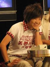 很喜欢看到阿京笑哦。。。