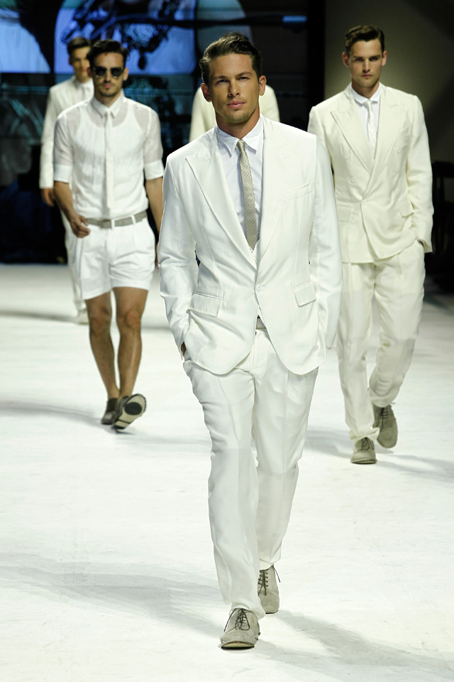 For more than 80 runway images log on to dolcegabbana.com