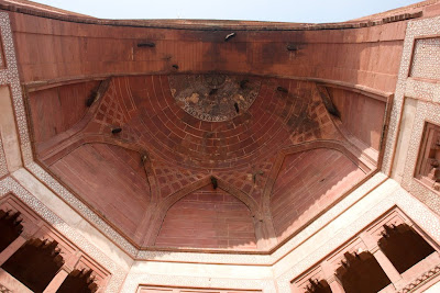 Beehives on the huge arch of Buland Darwaza at the main entrance to Fatehpur Sikri
