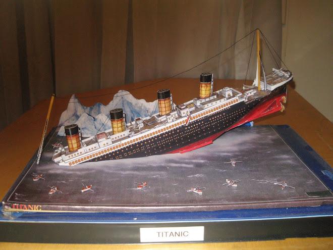 Titanic Afundando