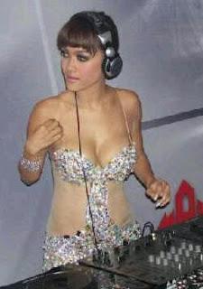 Julia Perez DJ