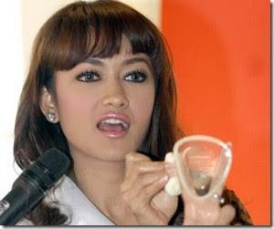 Julia Perez condom