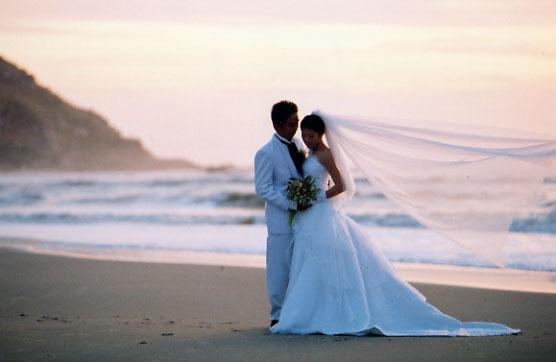 لما يجيلك عريس هتعملي ايه تعالي اقولك Romantic_wedding_92235722