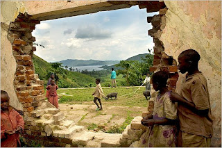 Refugiados numa Missão Católica abandonada (Congo)