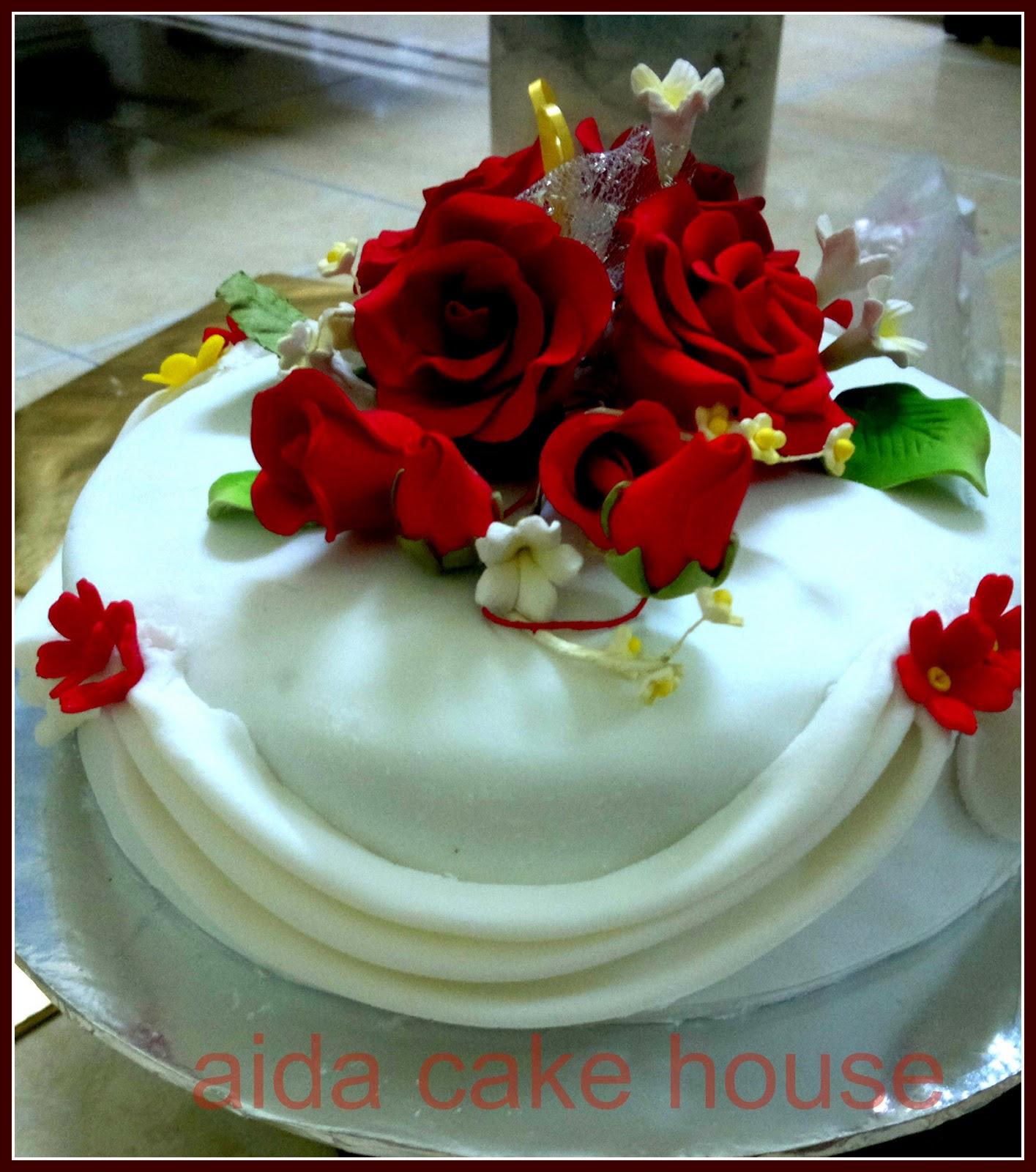 fondant cake cupcakes 3 tiers cakes