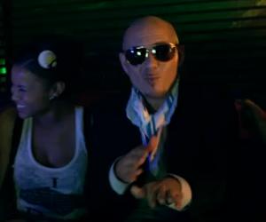 Usher feat Pitbull - DJ Got Us Fallin' In Love - Video y Letra - Lyrics