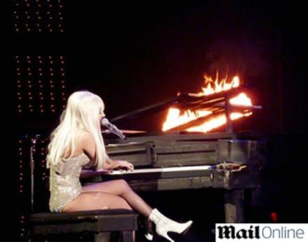 Gaga's piano