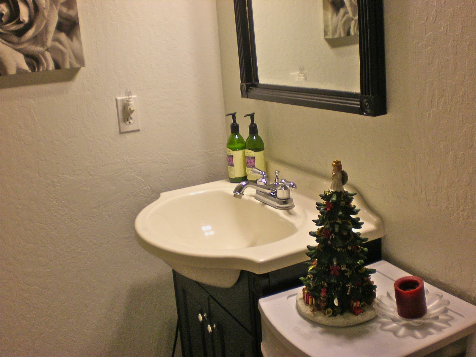 Bathroom Decorating Ideas Christmas decorating my bathroom ideas. bathroom decor with decorating my