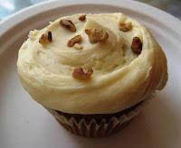 Magnolia cupcake