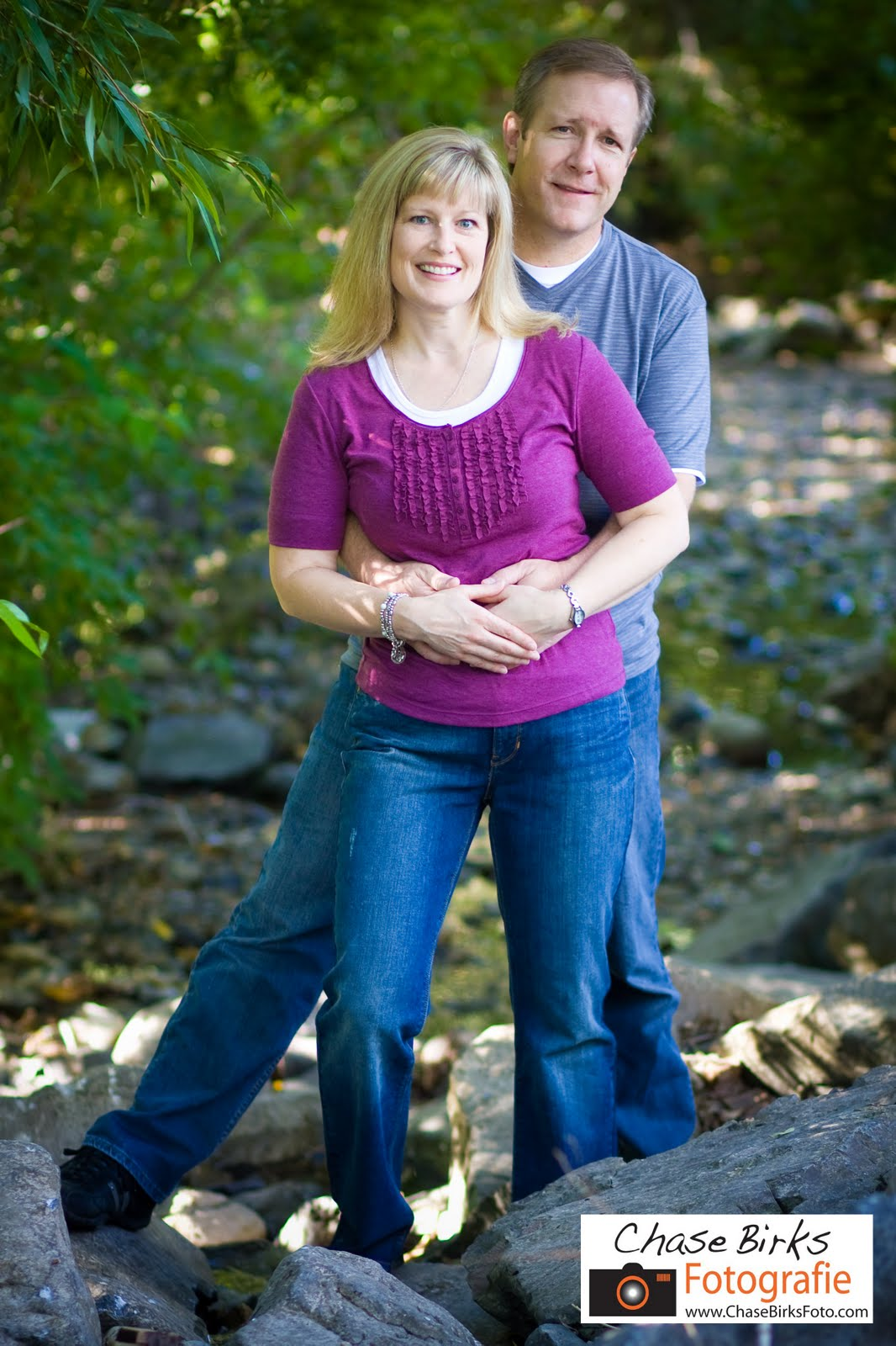 Outdoor Family Photo Shoot Ideas http://chasebirksphotography.blogspot.com/2010/08/another-outdoor-family-photo-shoot.html