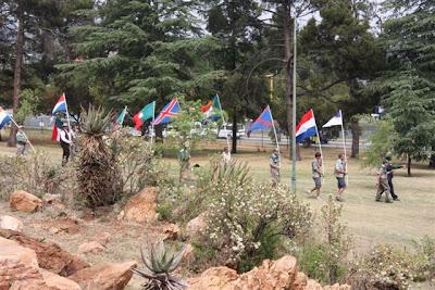 Die vlag hysing is deur die plaaslike volkspele laer behartig hulle